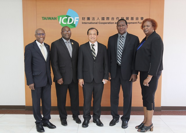 Minister for Equity, Social Justice, Empowerment and Minister for Youth Development and Sports of Saint Lucia Visit the TaiwanICDF